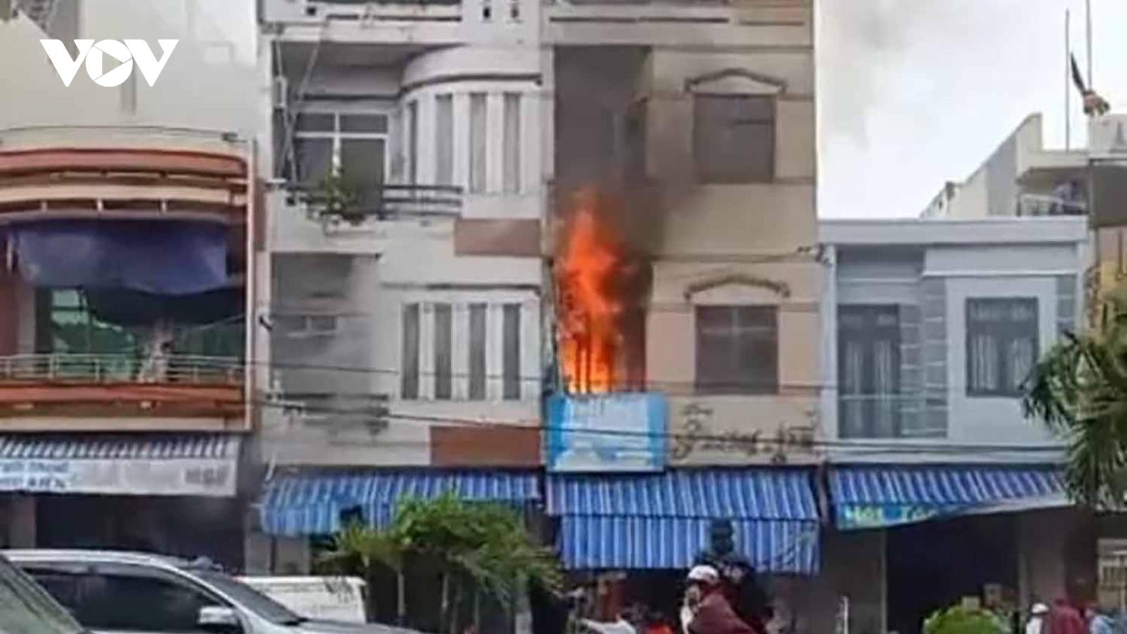 Liên tiếp xảy ra 2 vụ cháy nhà ở Bình Định khi bão số 12 đổ bộ