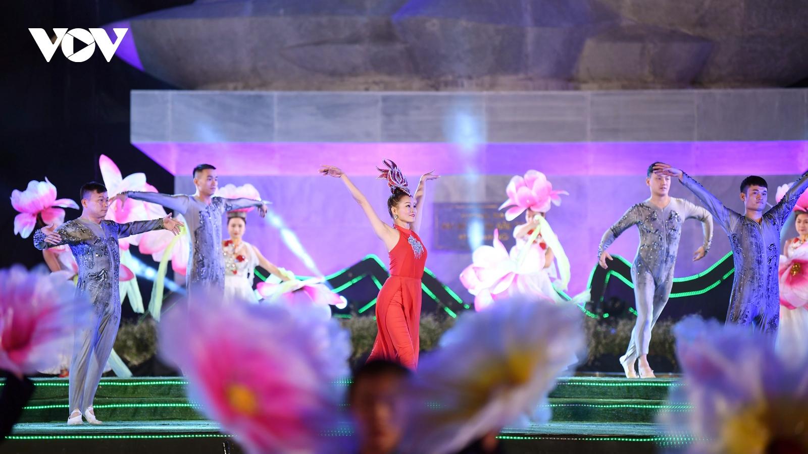 Hà Giang tưng bừng khai mạc Lễ hội hoa tam giác mạch 2020