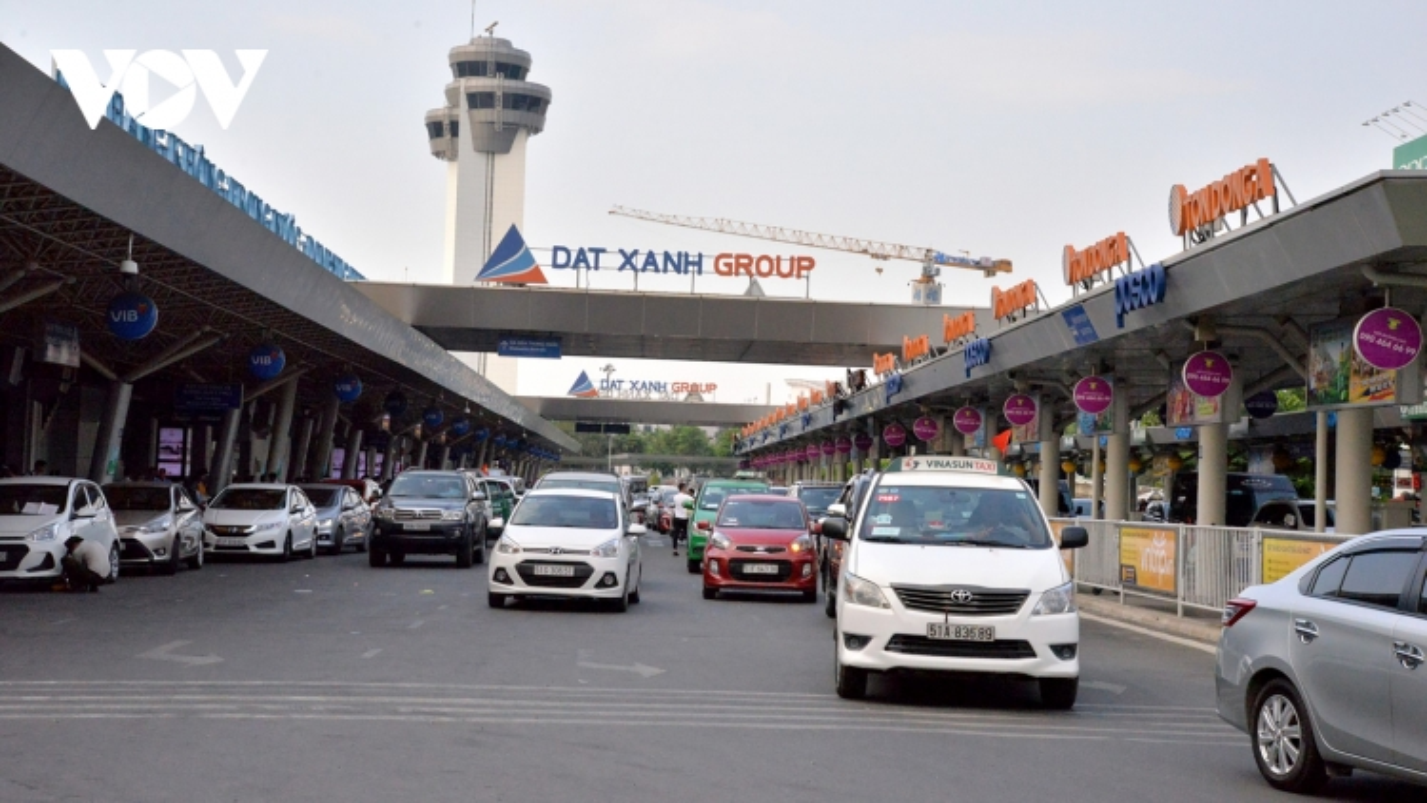 Phân lại làn giao thông ở ga quốc nội sân bay Tân Sơn Nhất