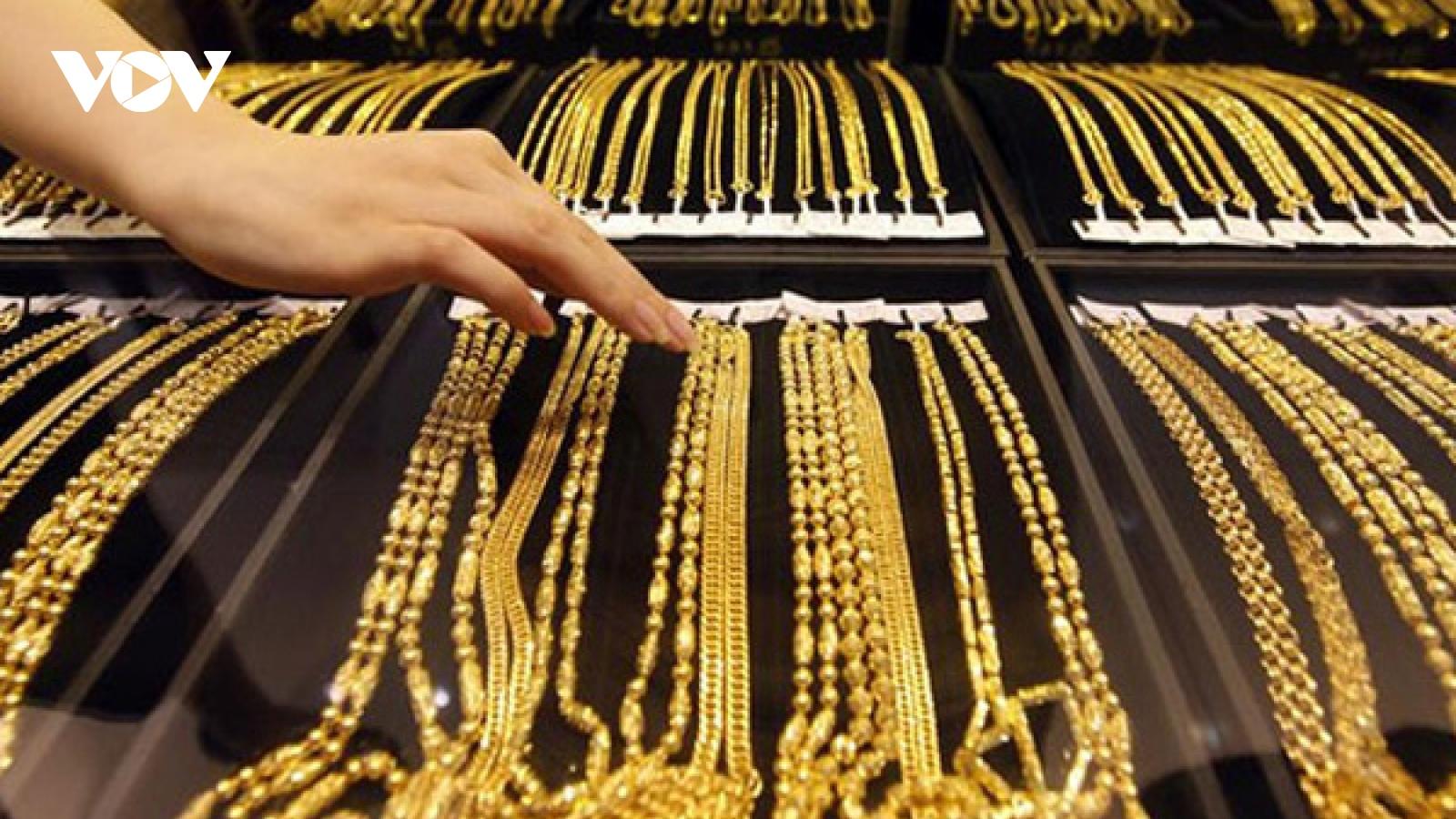 """Giá vàng lao dốc mạnh, """"bốc hơi"""" hơn nửa triệu đồng trong nửa ngày"""