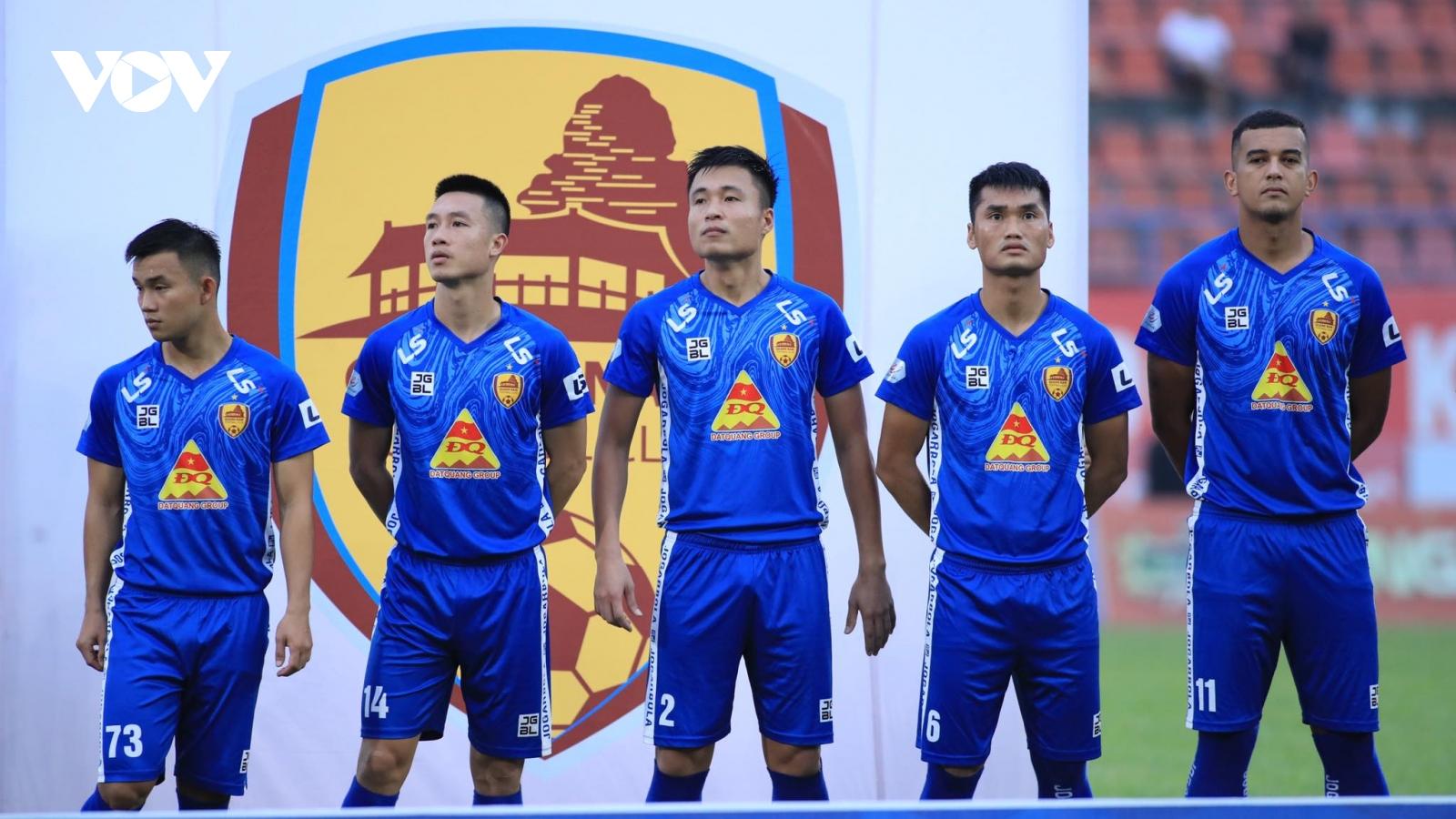 """Huy Hùng là cầu thủ đầu tiên rời """"con tàu đắm"""" Quảng Nam"""