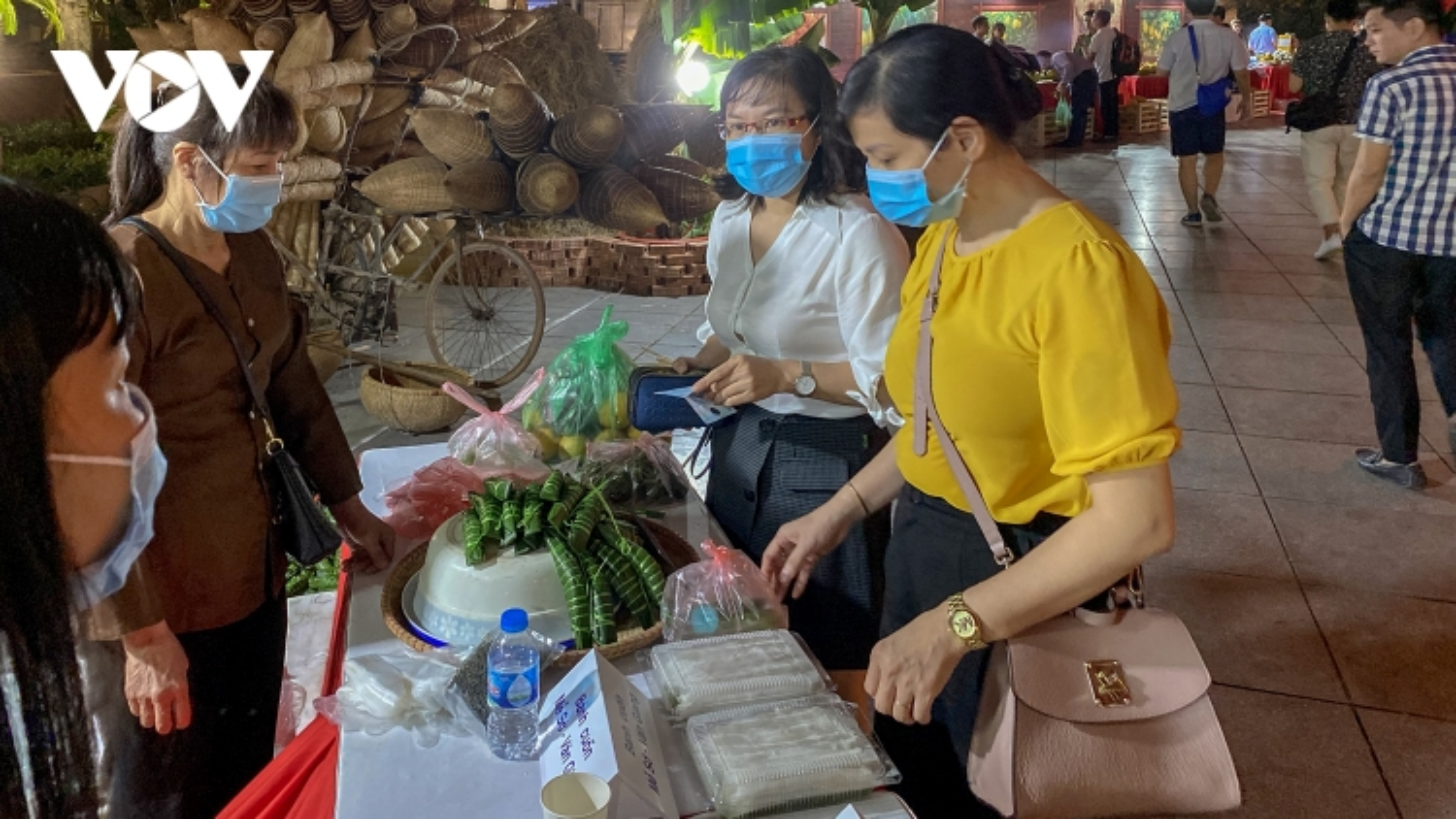 Trải nghiệm văn hóa, thưởng thức đặc sản Hưng Yên ngay tại Hà Nội