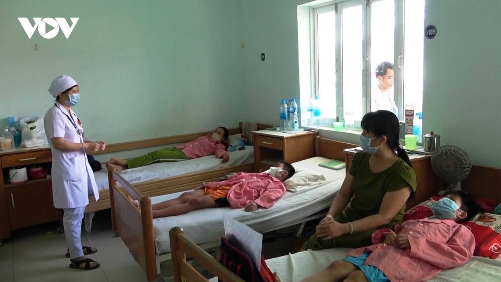 Khánh Hòabùng phát bệnh sốt xuất huyết do công trình xây dựng dày đặc bọ gậy, lăng quăng