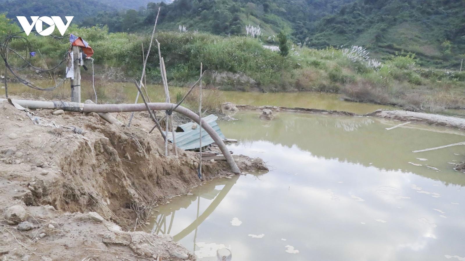 Nhức nhối tình trạng khai thác cát trái phép ở lòng chảo Mường Phăng