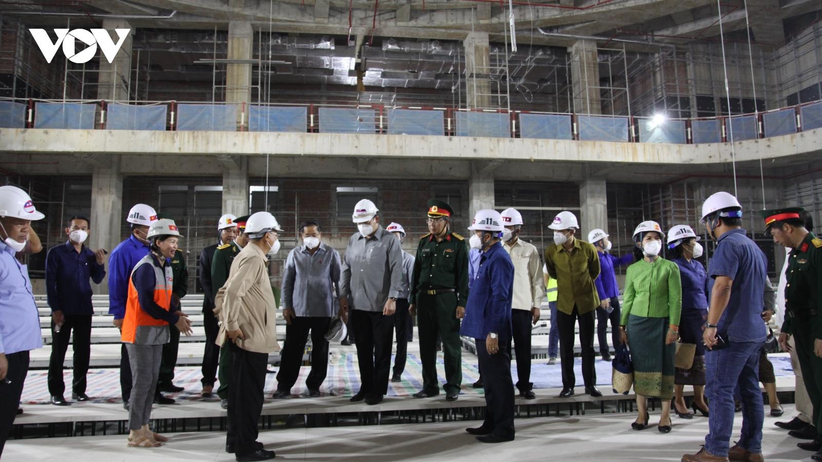 Phó Thủ tướng Lào thăm, kiểm tra tiến độ thi công Nhà Quốc hội mới