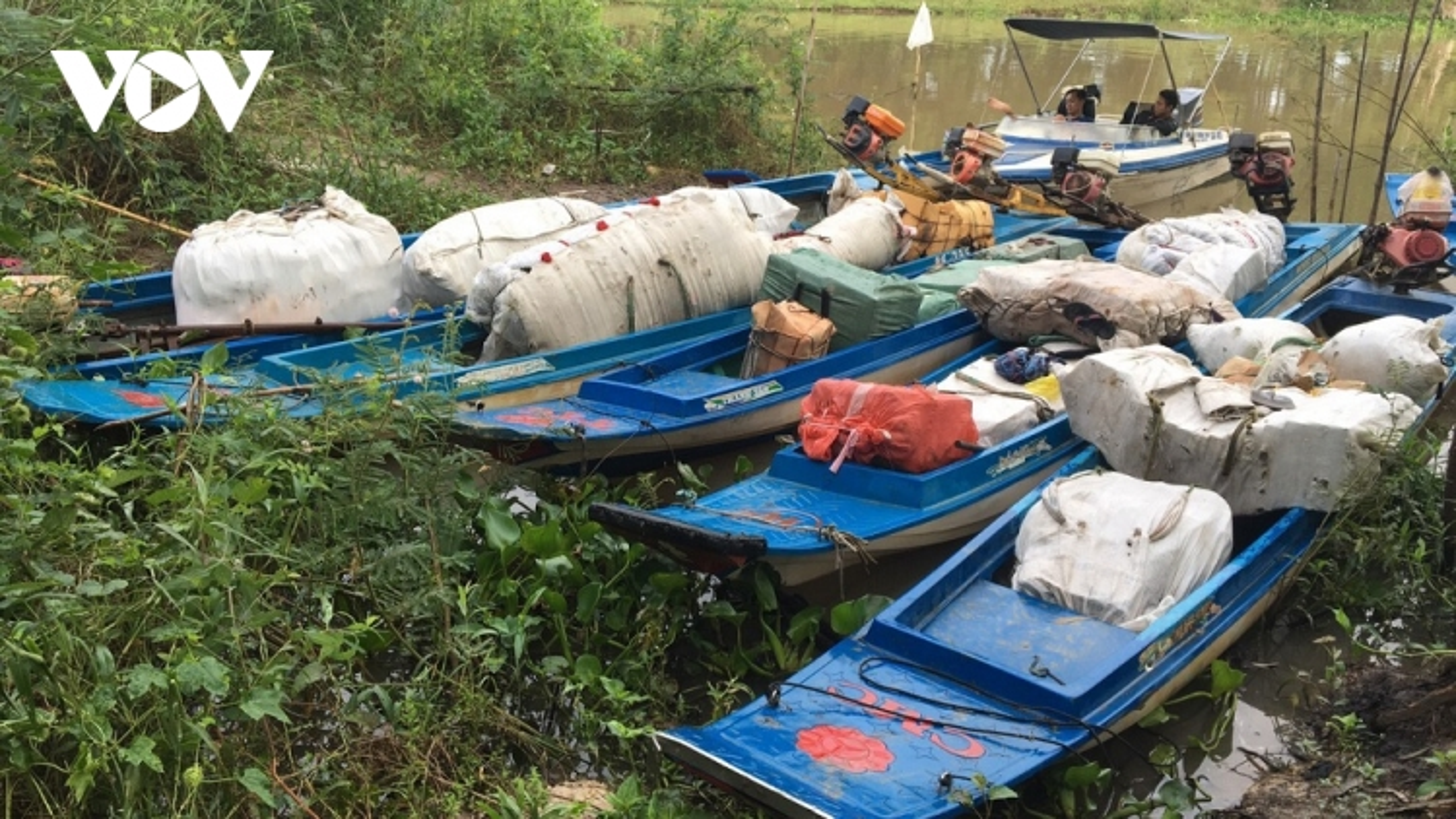 Các đối tượng buôn lậu dùng nhiều thủ đoạn mới vận chuyển hàng lậu ở An Giang