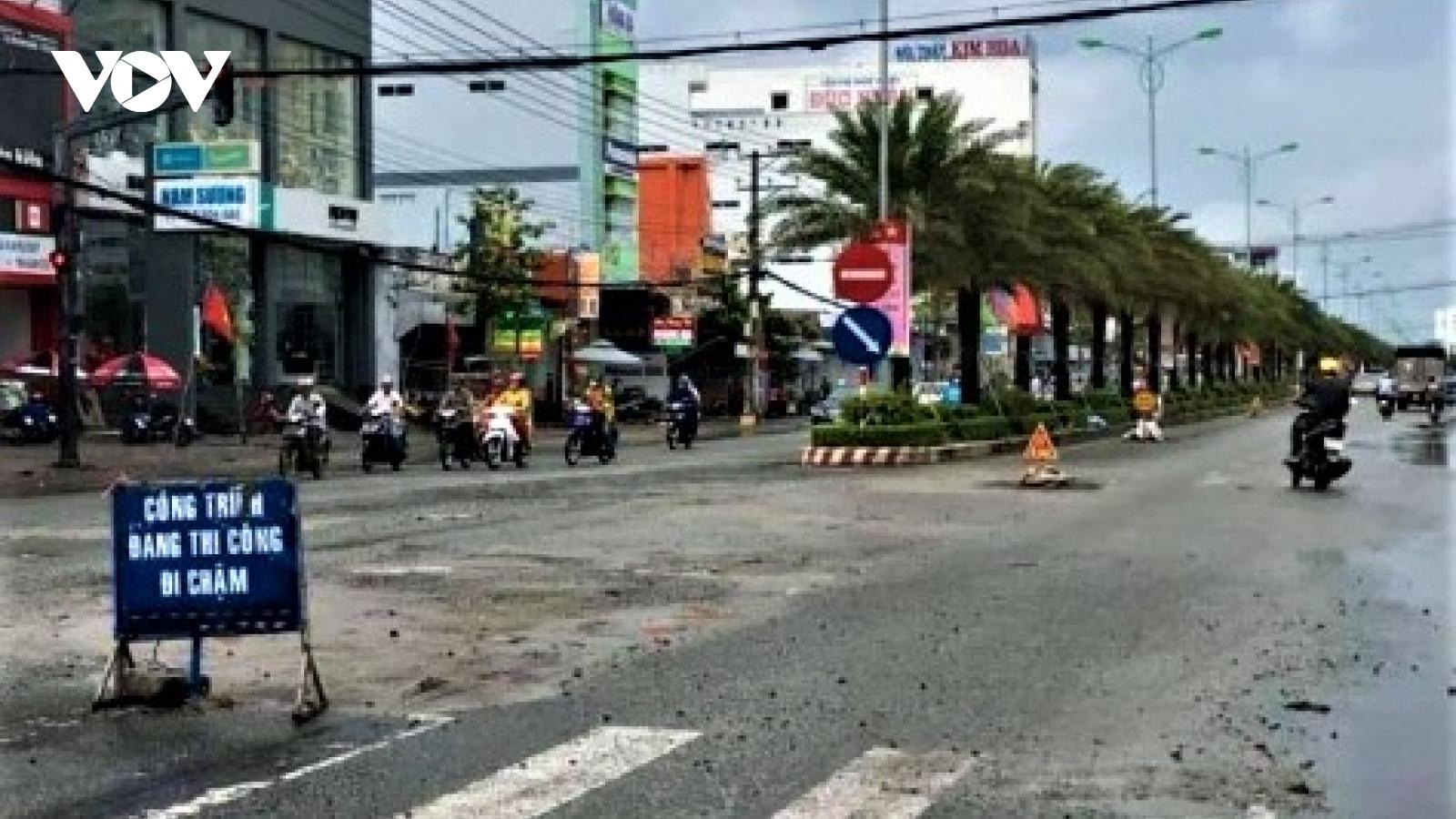 Cà Mau: Hết lụt, đến triều cường dâng cao, phá đường giao thông