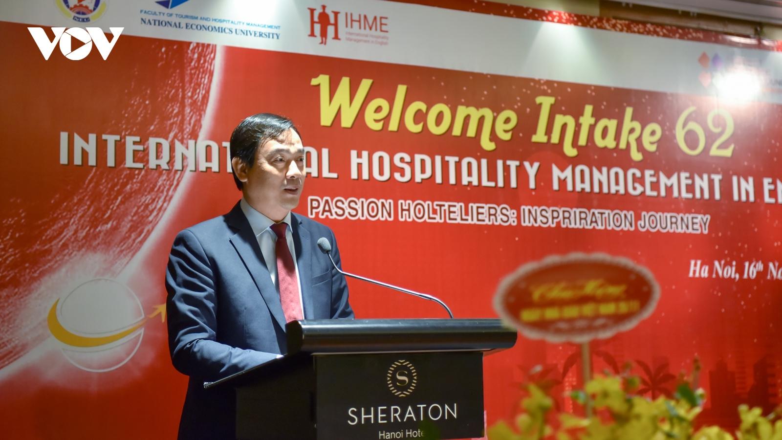 Liên kết đào tạo sinh viên du lịch trong khách sạn 5 sao