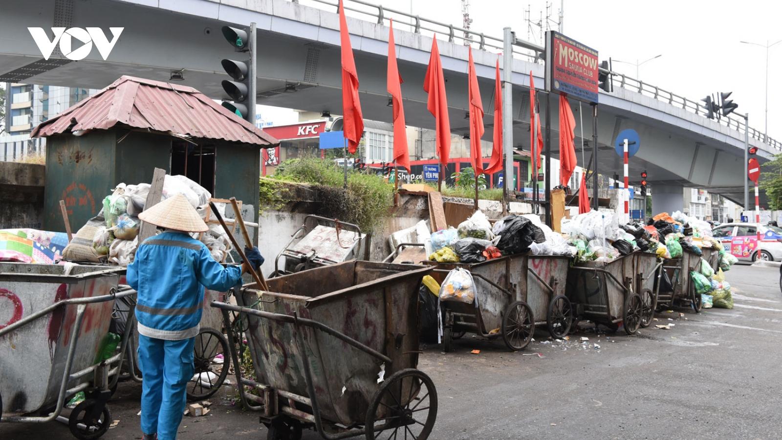 Hà Nội: Rác ùn ứ do chậm lương công nhân đã được giải tỏa