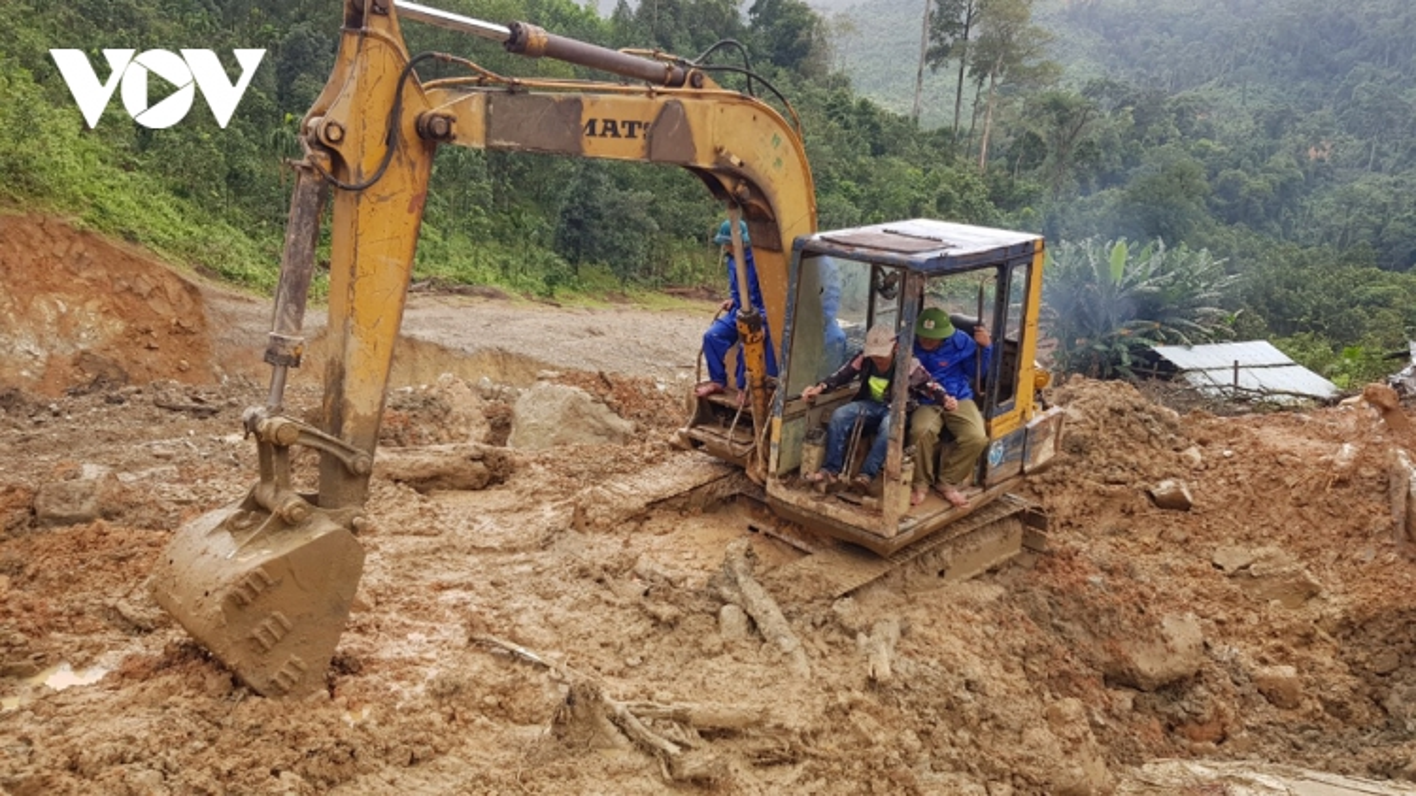 Vẫn còn 13 người mất tích do sạt lở đất ở Trà Leng