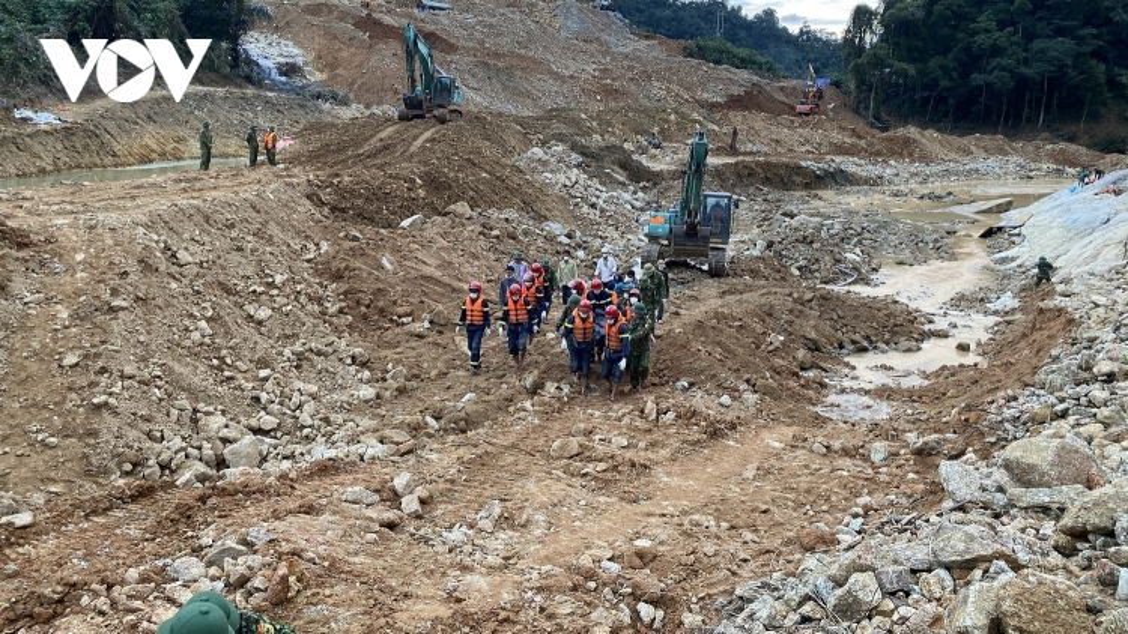 Phát hiện thêm 1 thi thể nạn nhân dưới lòng sông Rào Trăng