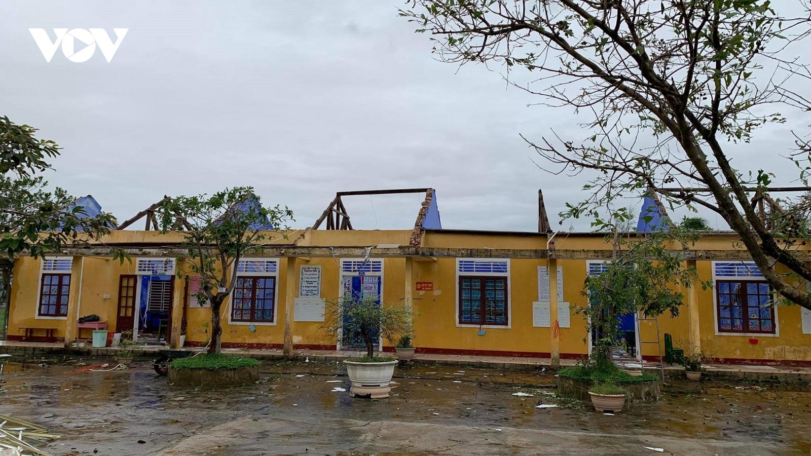 Học sinh các cấp học ở Thừa Thiên Huế đi học trong ngày mai 16/11