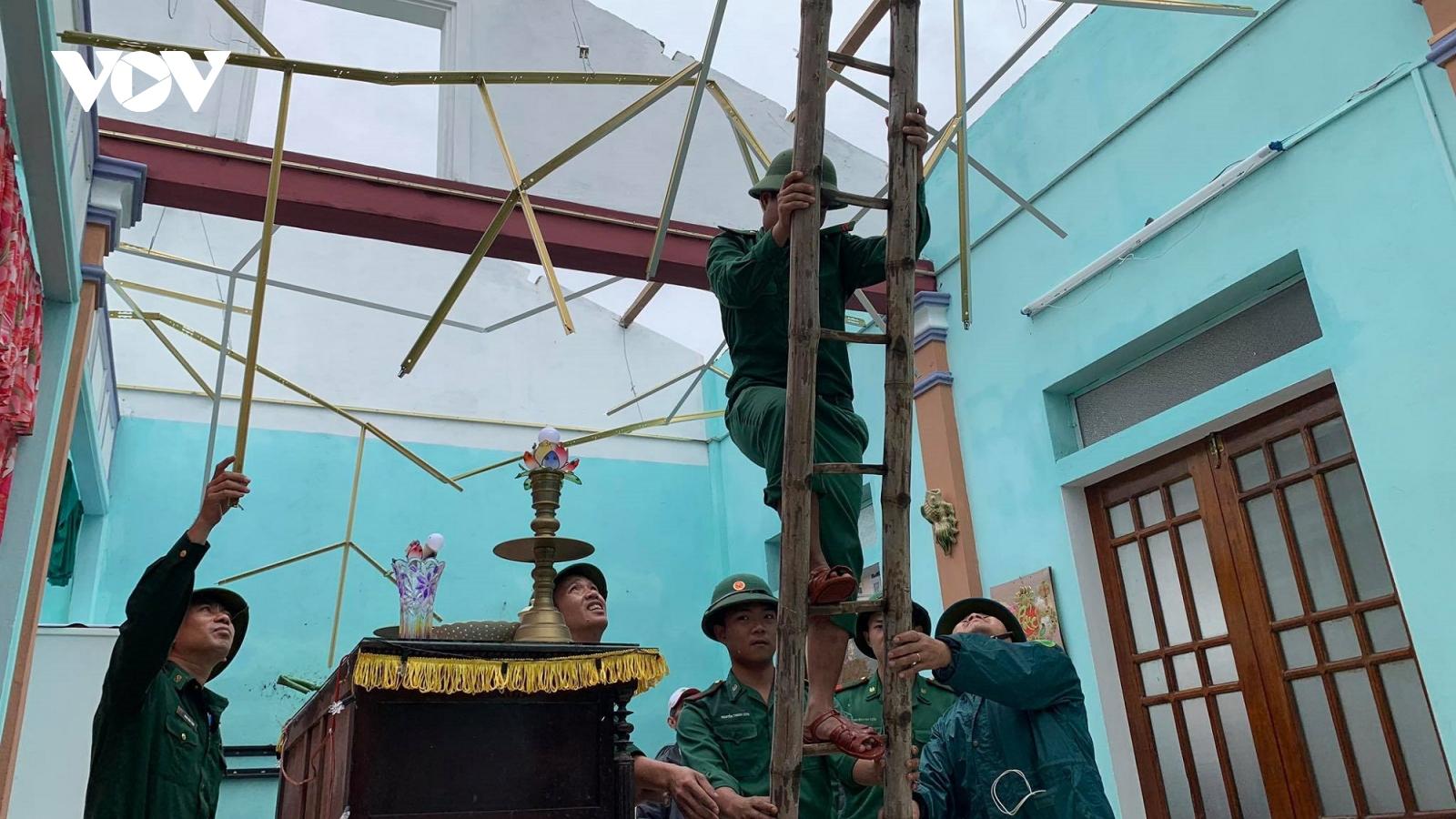 Các tỉnh miền Trung khẩn trương khắc phục hậu quả bão số 13