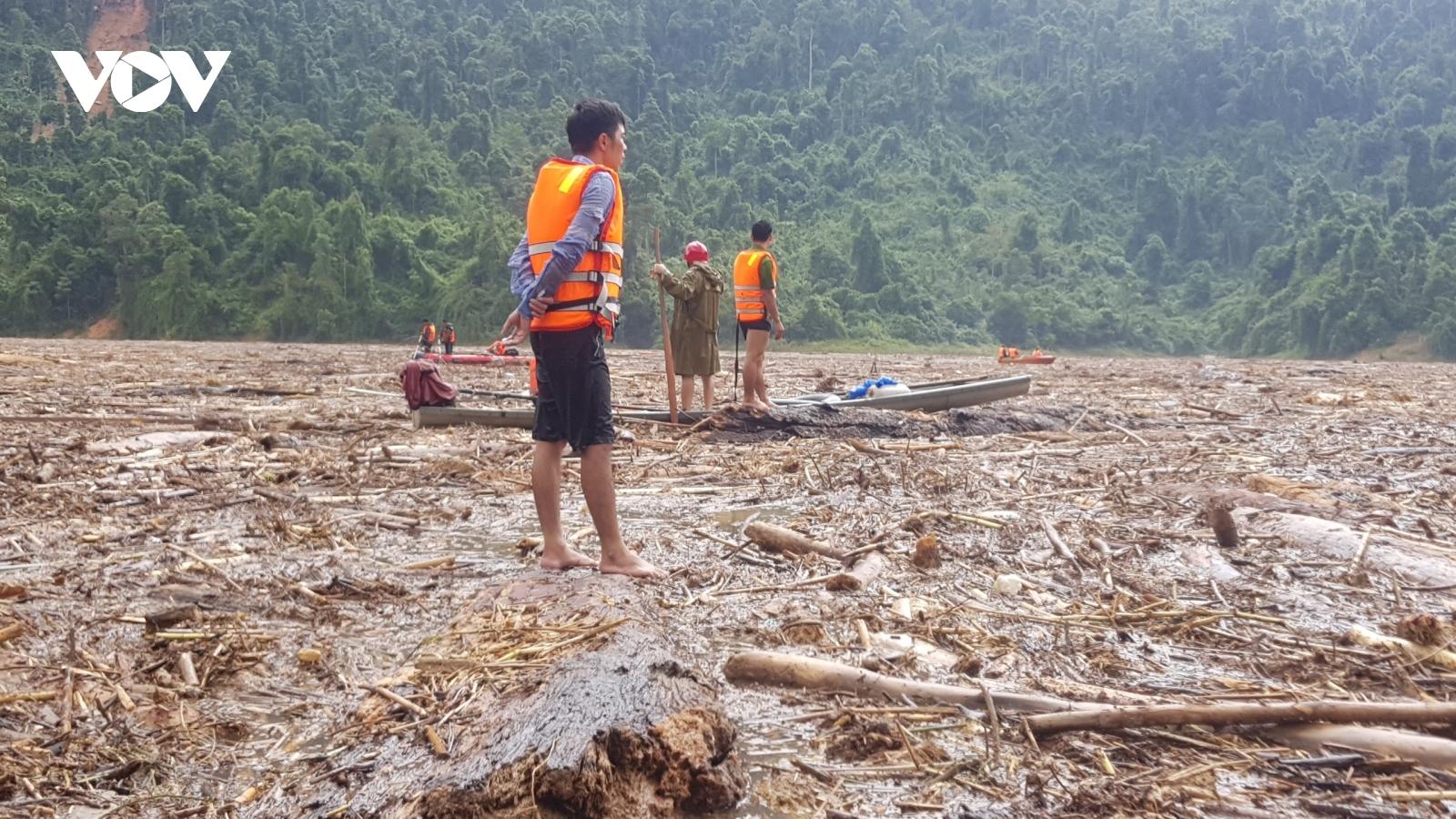 Quảng Nam tiếp tục tìm kiếm nạn nhân mất tích ở Trà Leng