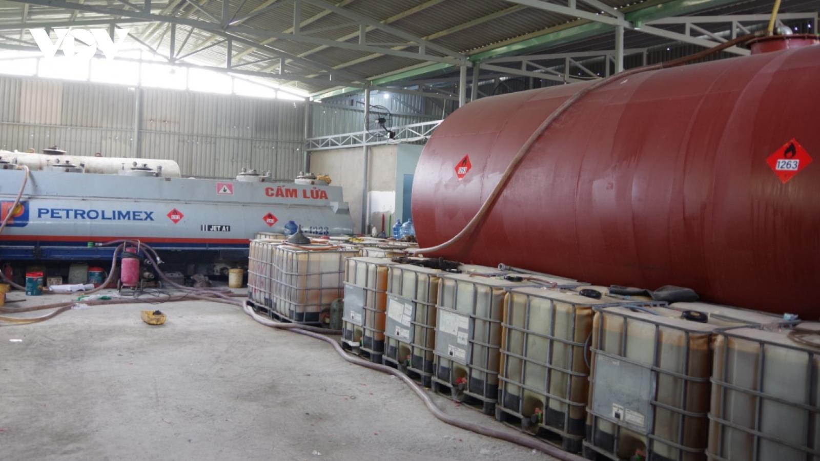 Phát hiện vụ sản xuất xăng giả quy mô lớn ở Vũng Tàu