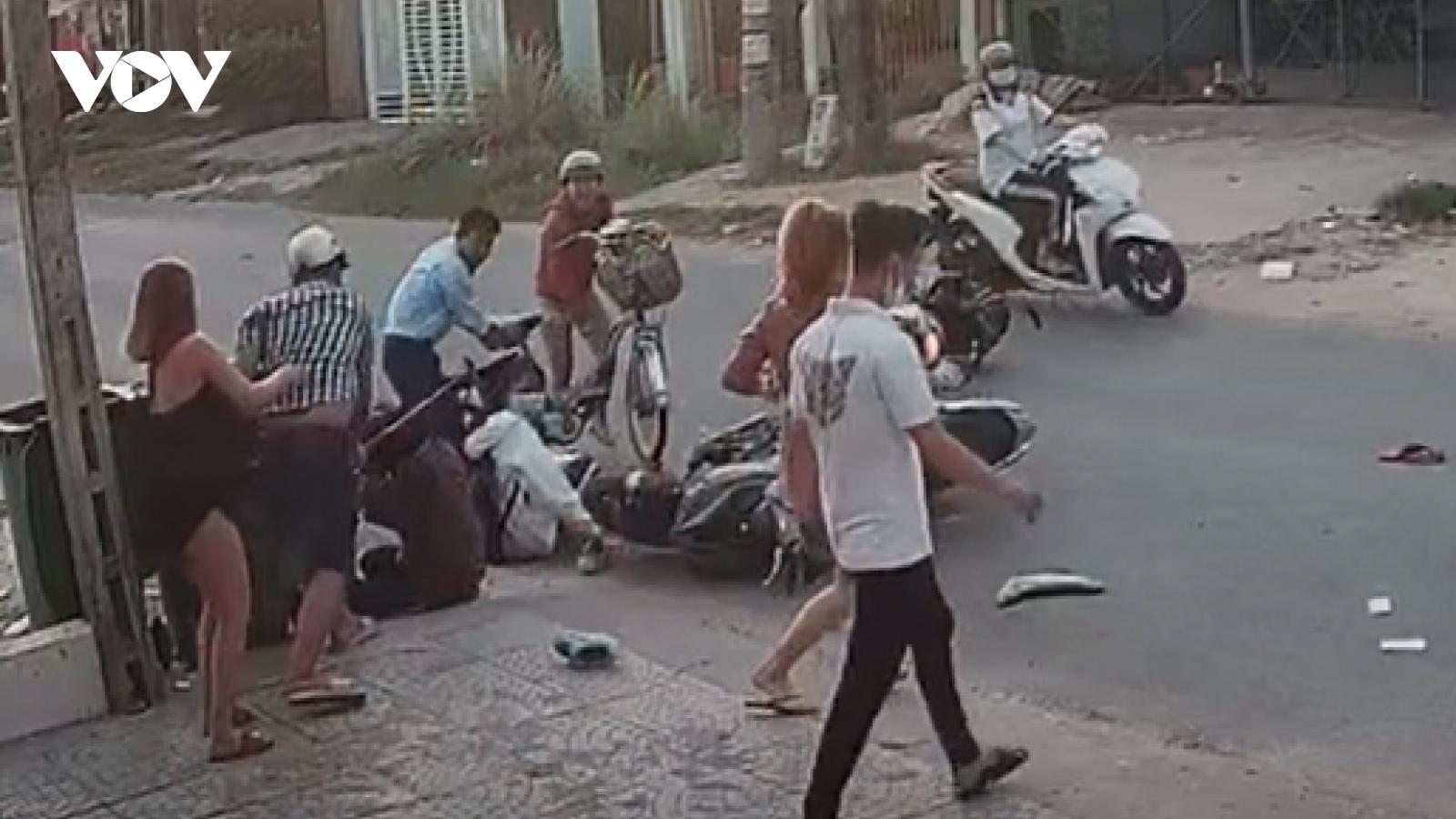 Xác minh clip hành hung nữ sinh sau va chạm giao thông