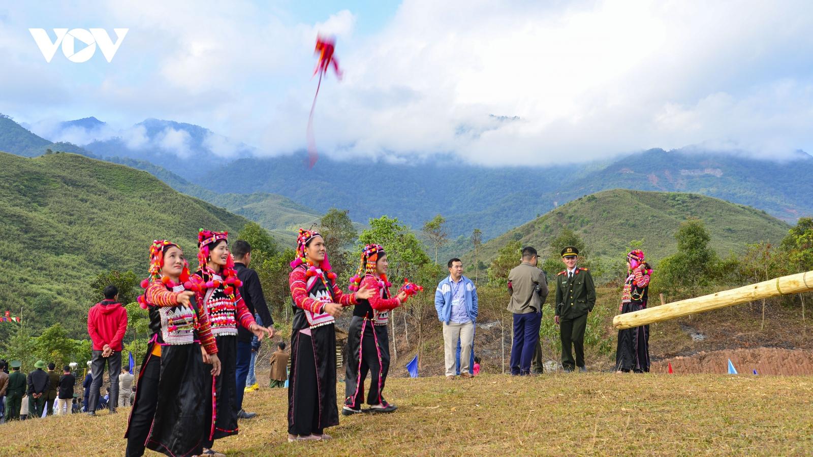Người Hà Nhì (Điện Biên) vui Tết truyền thống Hồ Sự Chà