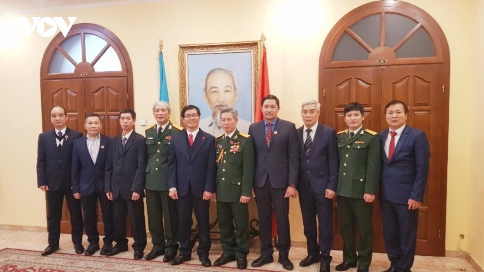 Gặp mặt kỷ niệm 76 năm thành lập Quân đội nhân dân Việt Namtại Ukraina