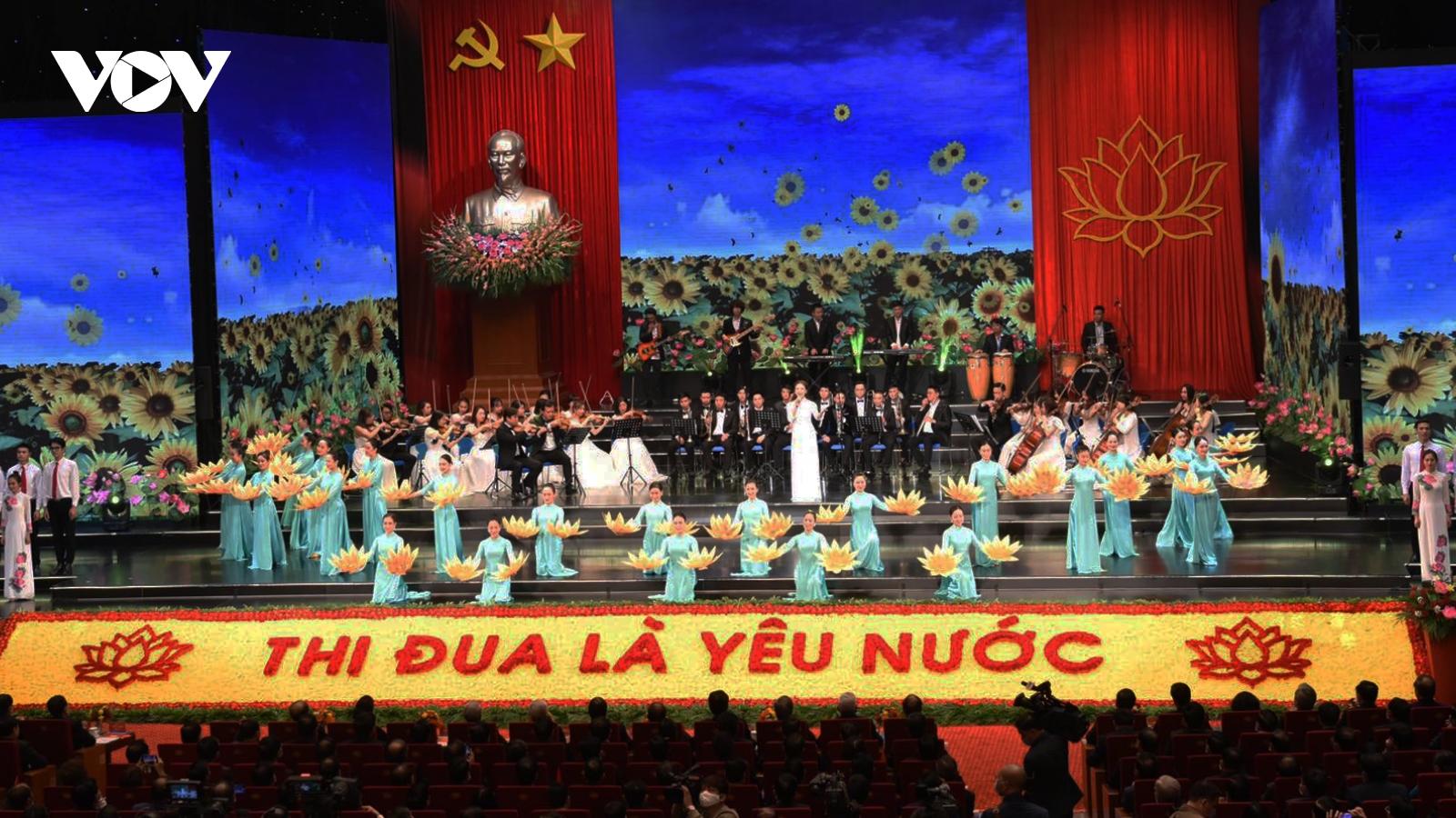 Hình ảnh khai mạc Đại hội Thi đua yêu nước toàn quốc lần thứ X