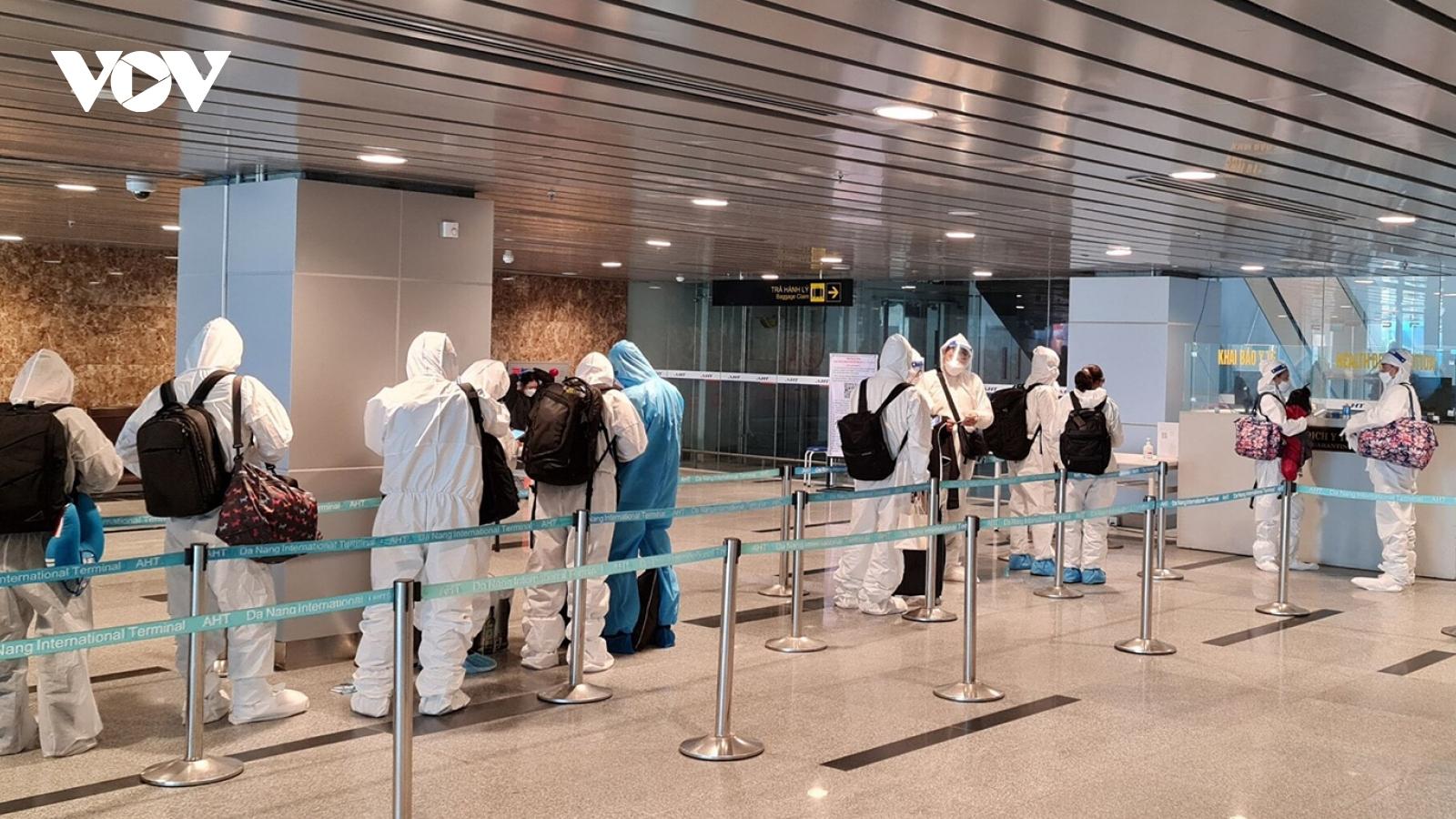 Đà Nẵng tiếp nhận, cách ly 47 chuyên gia đến từ Hàn Quốc