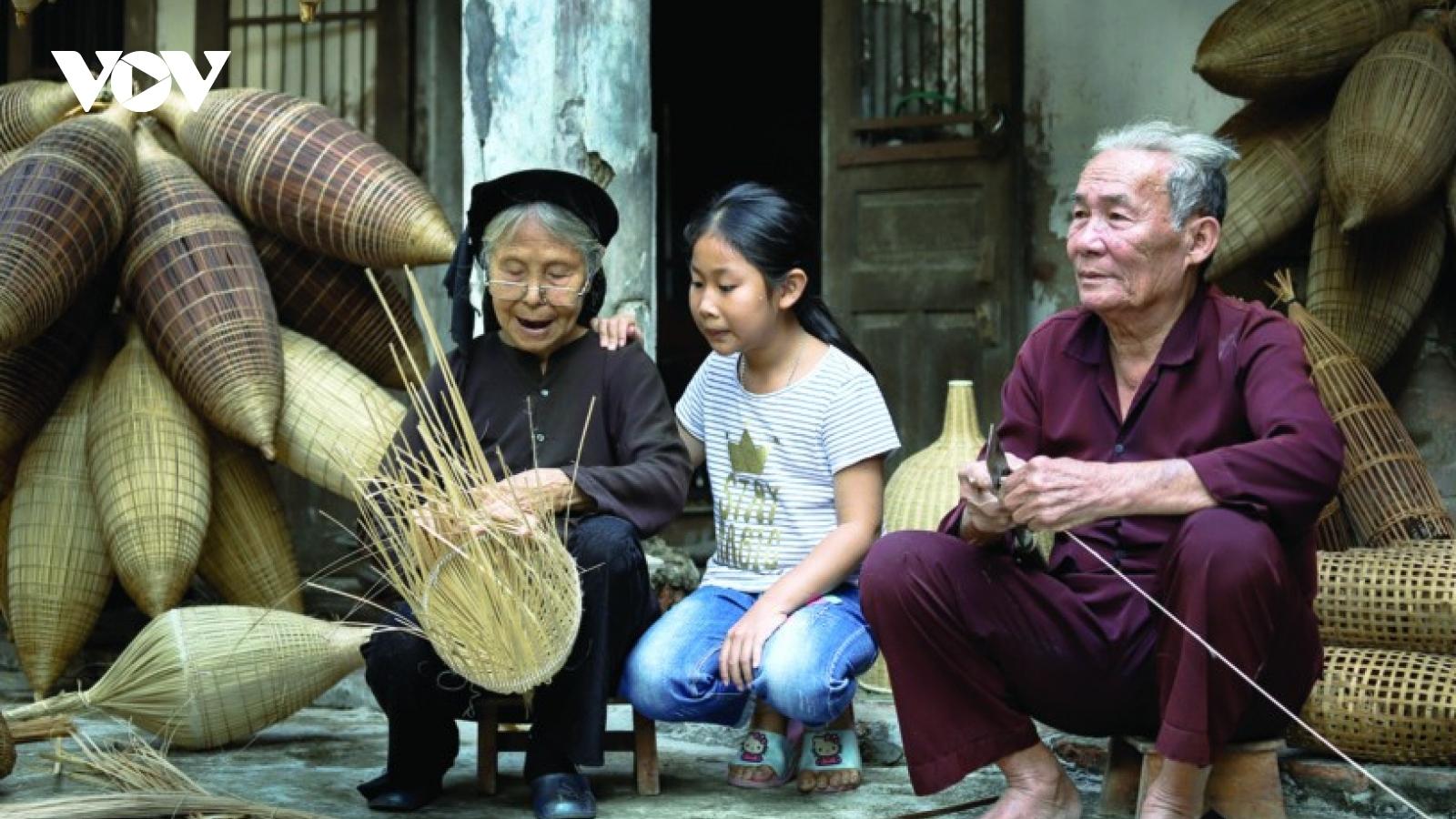 Nghề đan đó làng Thủ Sỹ
