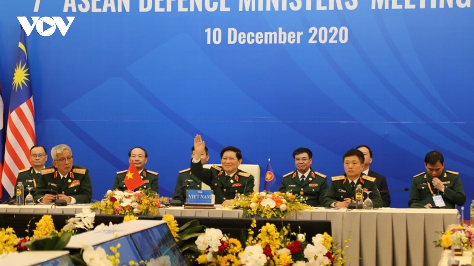 Sau Hội nghị ADMM+ thành công, Việt Nam bàn giao cương vị Chủ tịch ASEAN cho Brunei