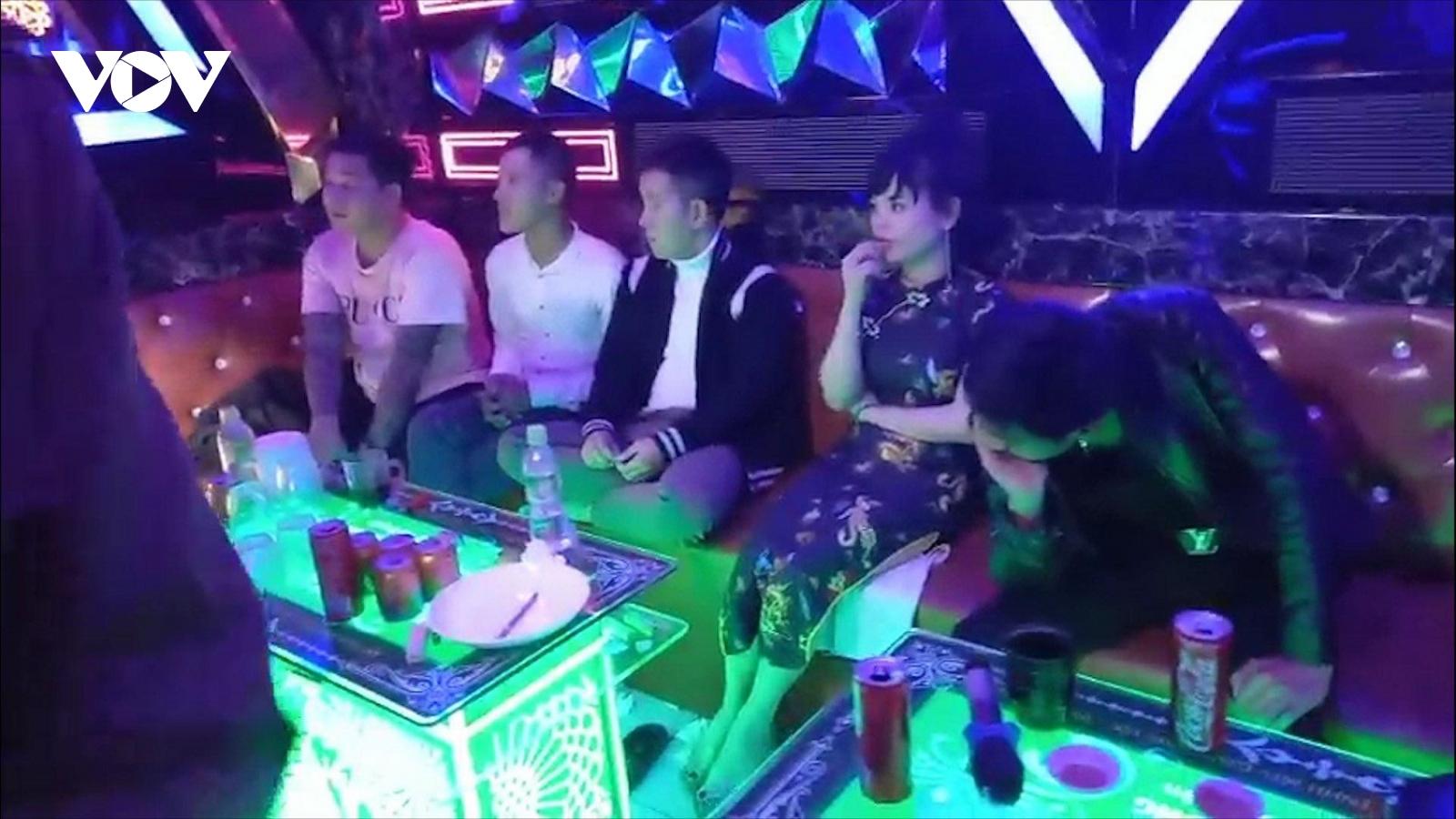 16 người dương tính với ma túy trong quán karaoke ở thôn