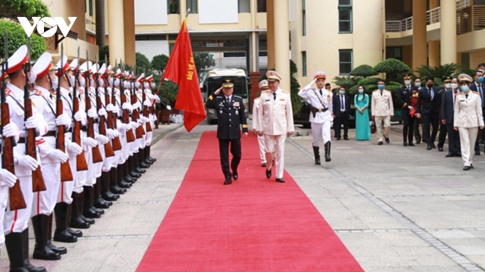 Korean National Police Agency chief visits Vietnam