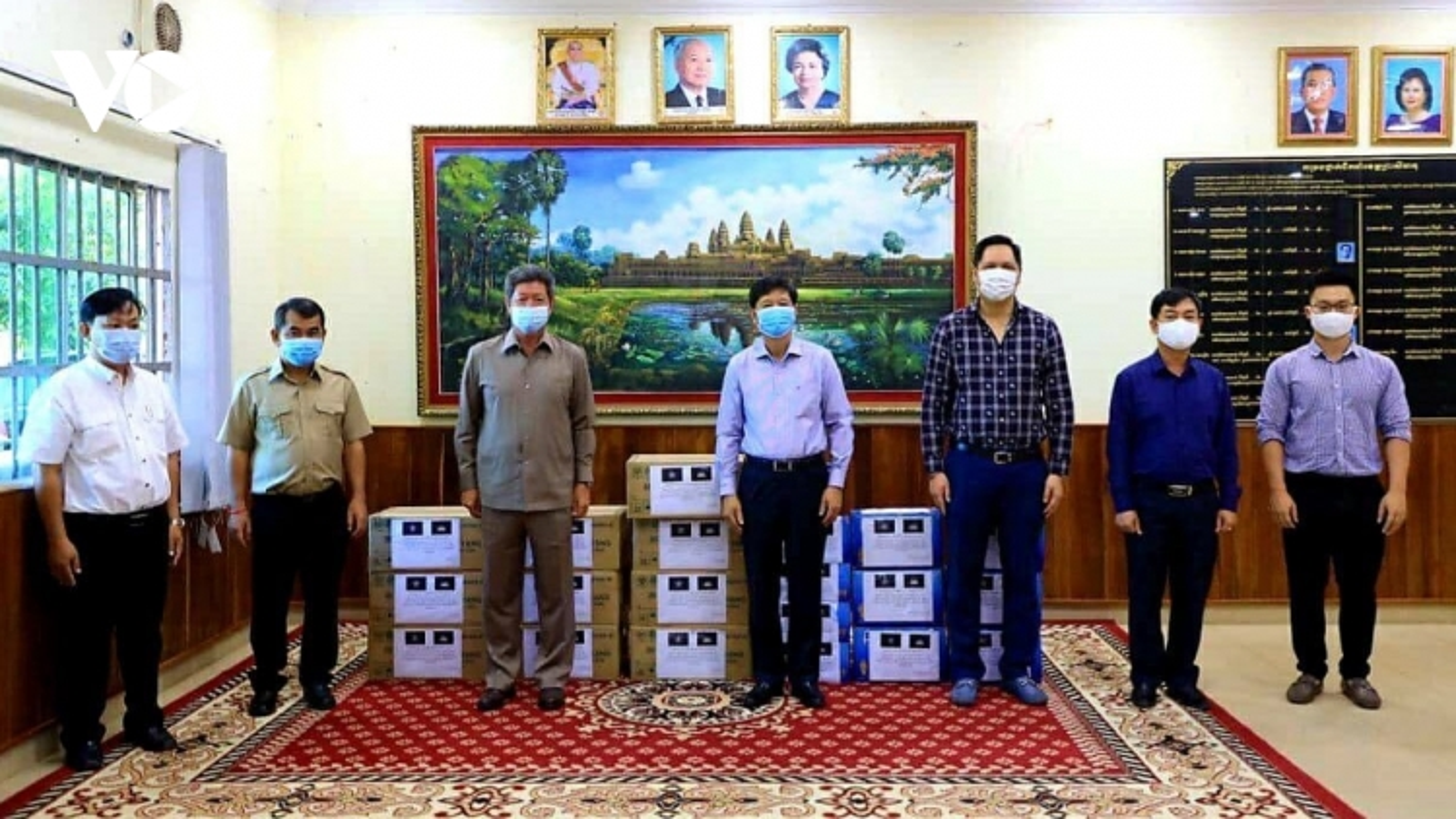 Tổng Lãnh sự quán Việt Nam và tỉnh Preah Sihanouk chung tay phòng chống Covid-19