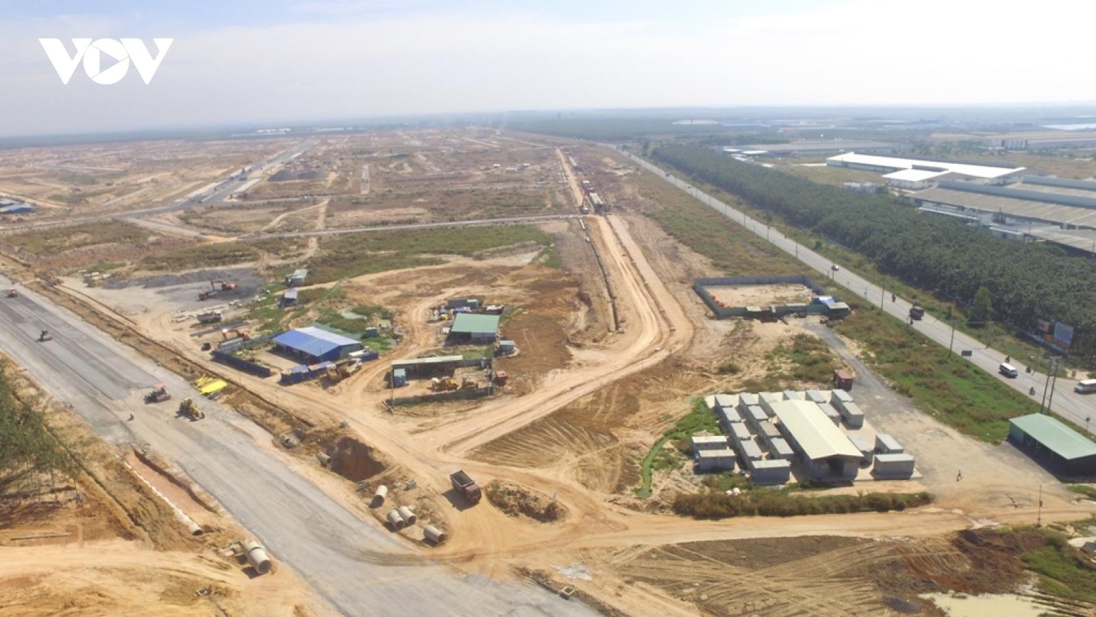 """Hối hả trên công trường dự án """"siêu sân bay"""" quốc tế Long Thành"""