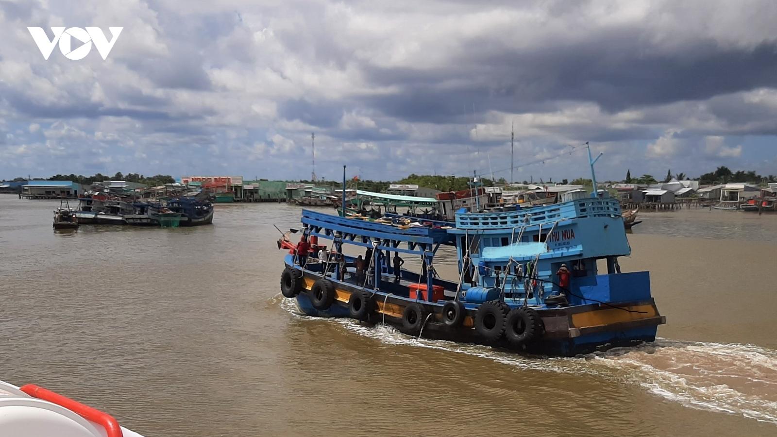 Cà Mau cách ly 6 ngư phủ từ Malaysia về, đề phòng Covid-19