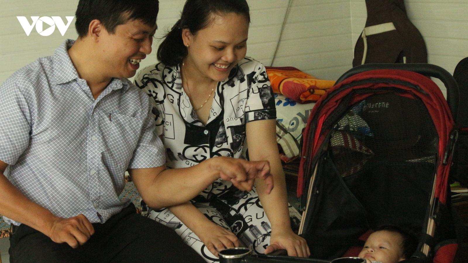 Chuyện tình đẹp của vợ chồng khuyết tật Thanh Văn- Thuỷ Tiên