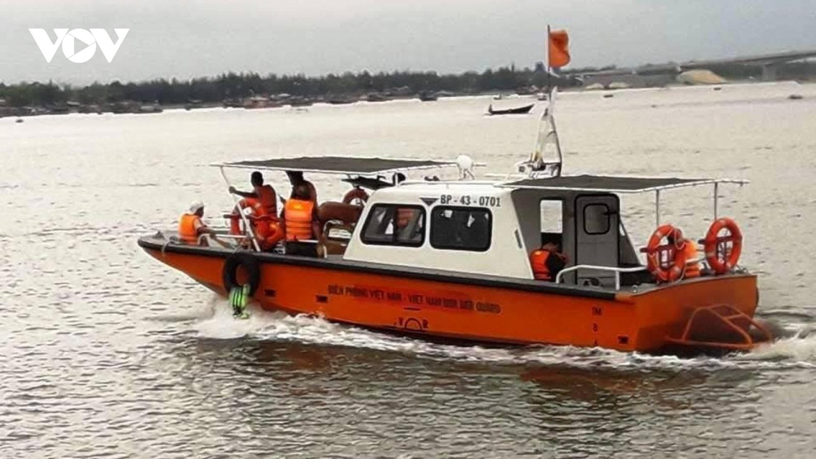 Tìm thấy một thi thể trong vụ lật ghe trên sông Thu Bồn