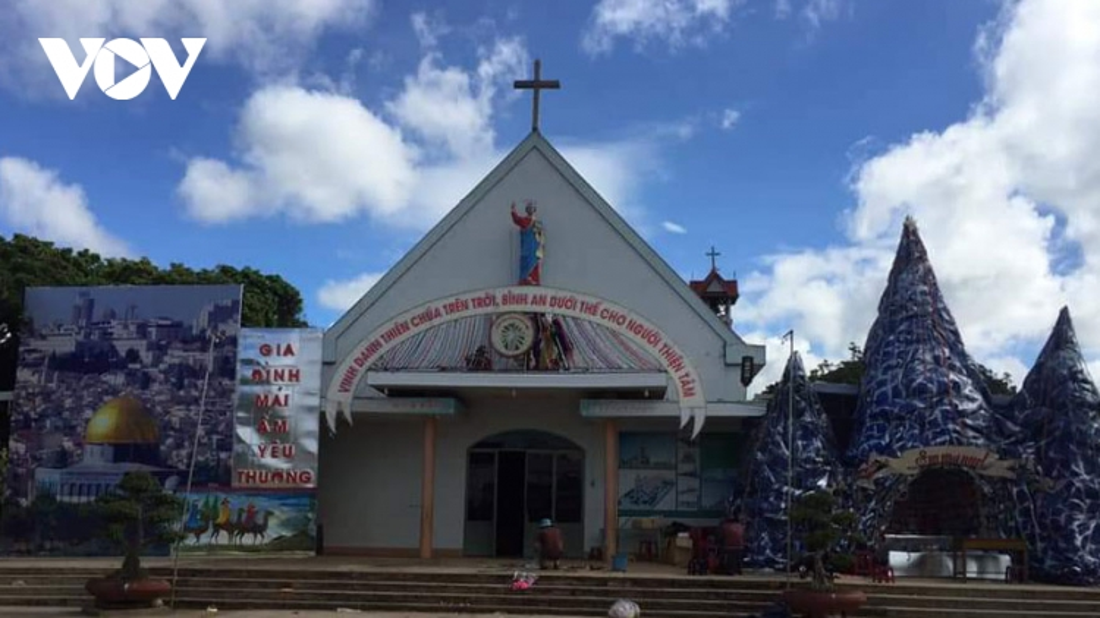 Không khí Giáng sinh đã về với các xóm đạo ở Đắk Lắk