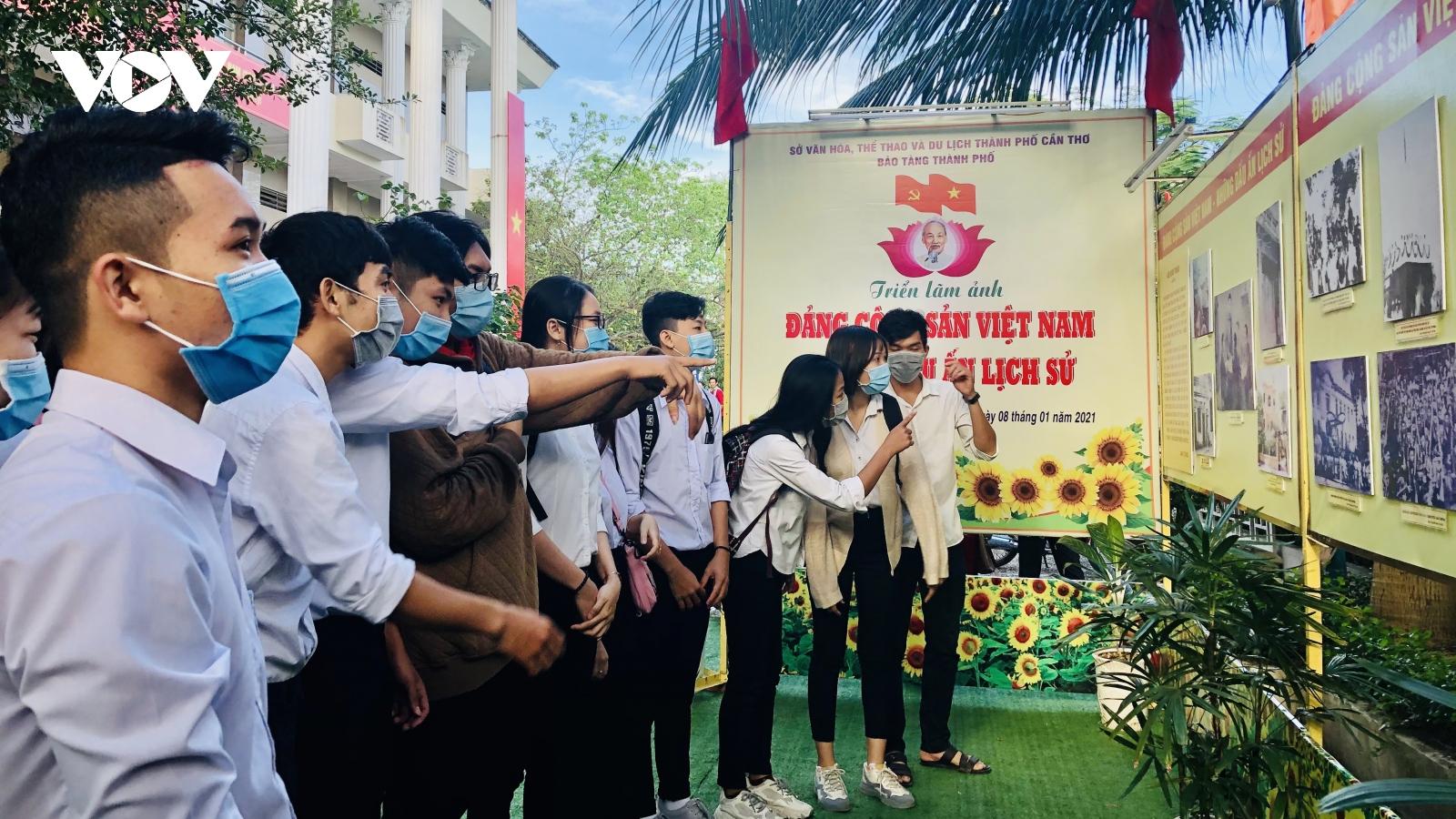 """Khai mạc Triển lãm ảnh """"Đảng cộng sản Việt Nam – Những dấu ấn lịch sử"""" tại Cần Thơ"""