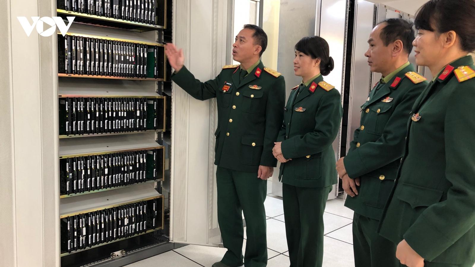 """Nữ quân nhân chuyên nghiệp:""""Đảm bảo thông tin là mệnh lệnh trái tim"""""""