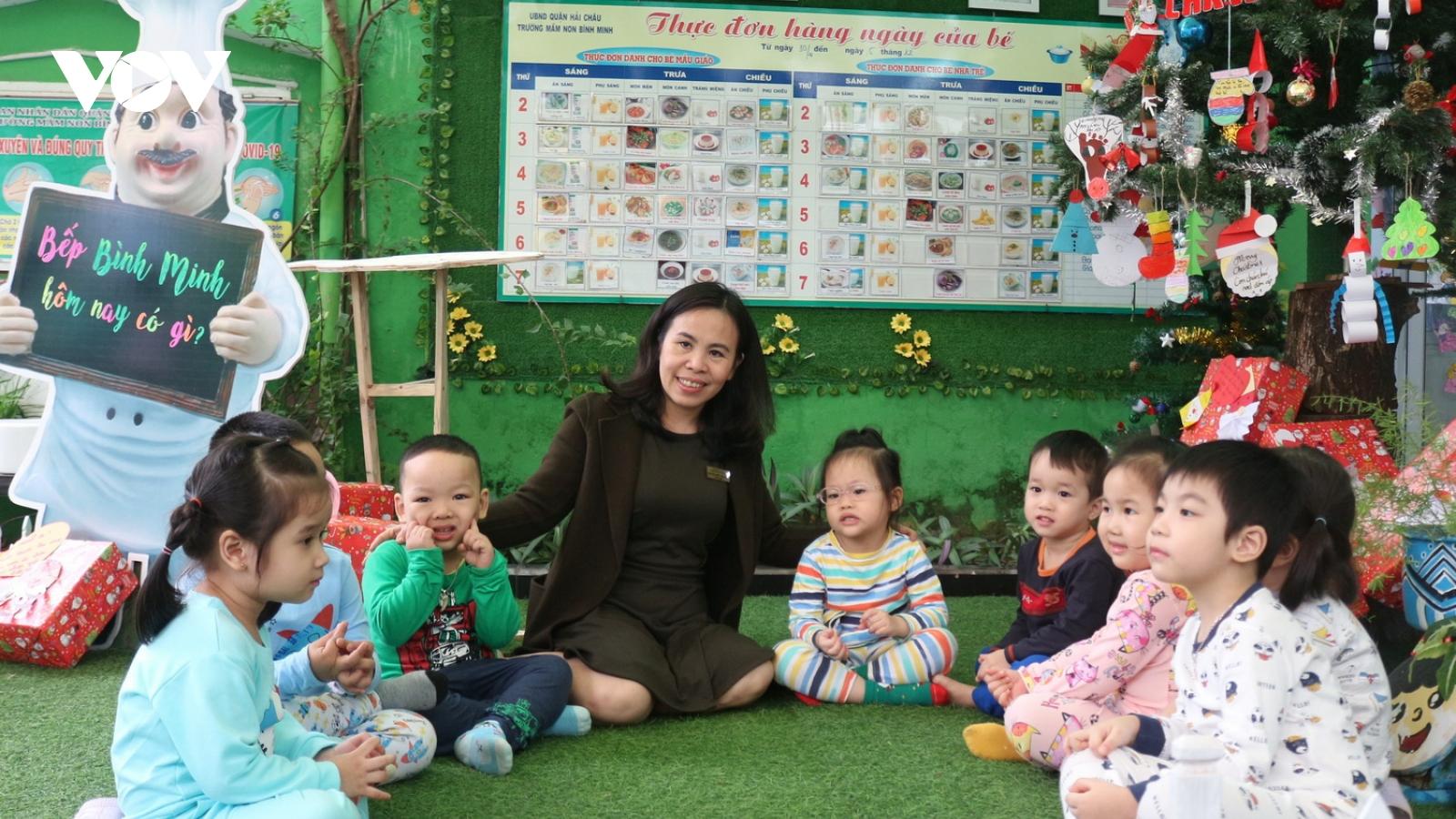 Cô giáo tận tâm với tấm lòng yêu thương con trẻ