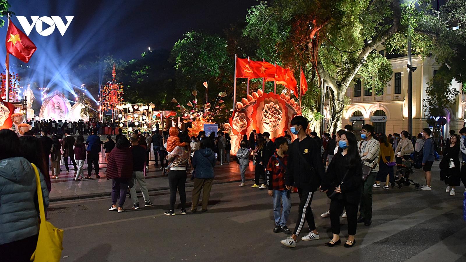 Du lịch Hà Nội: Thay đổi để phục hồi