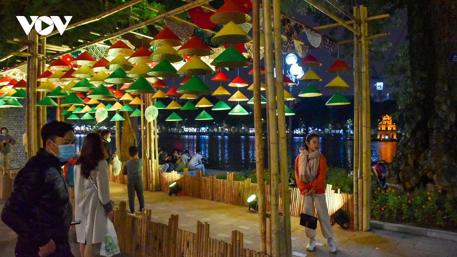 Không tăng giá bất thường dịch vụ du lịch tại Hà Nội trong dịp lễ, Tết