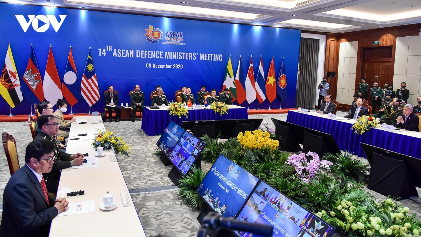 Hội nghị Bộ trưởng Quốc phòng ASEAN mở rộng họp trực tuyến từ Hà Nội