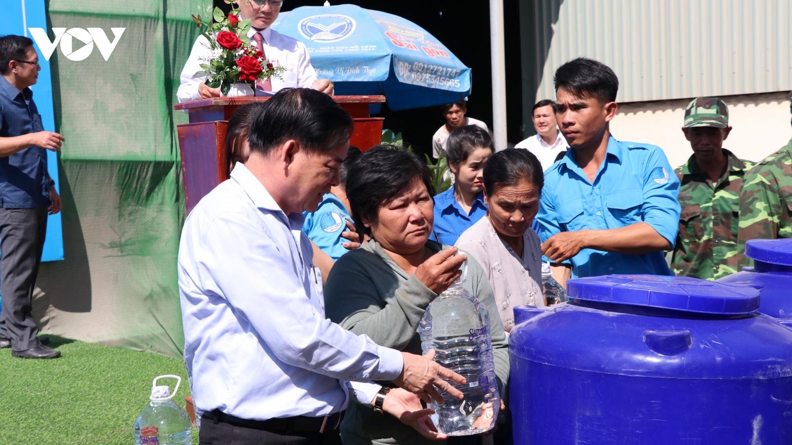 Không để người dân sử dụng nước mặn trong sinh hoạt
