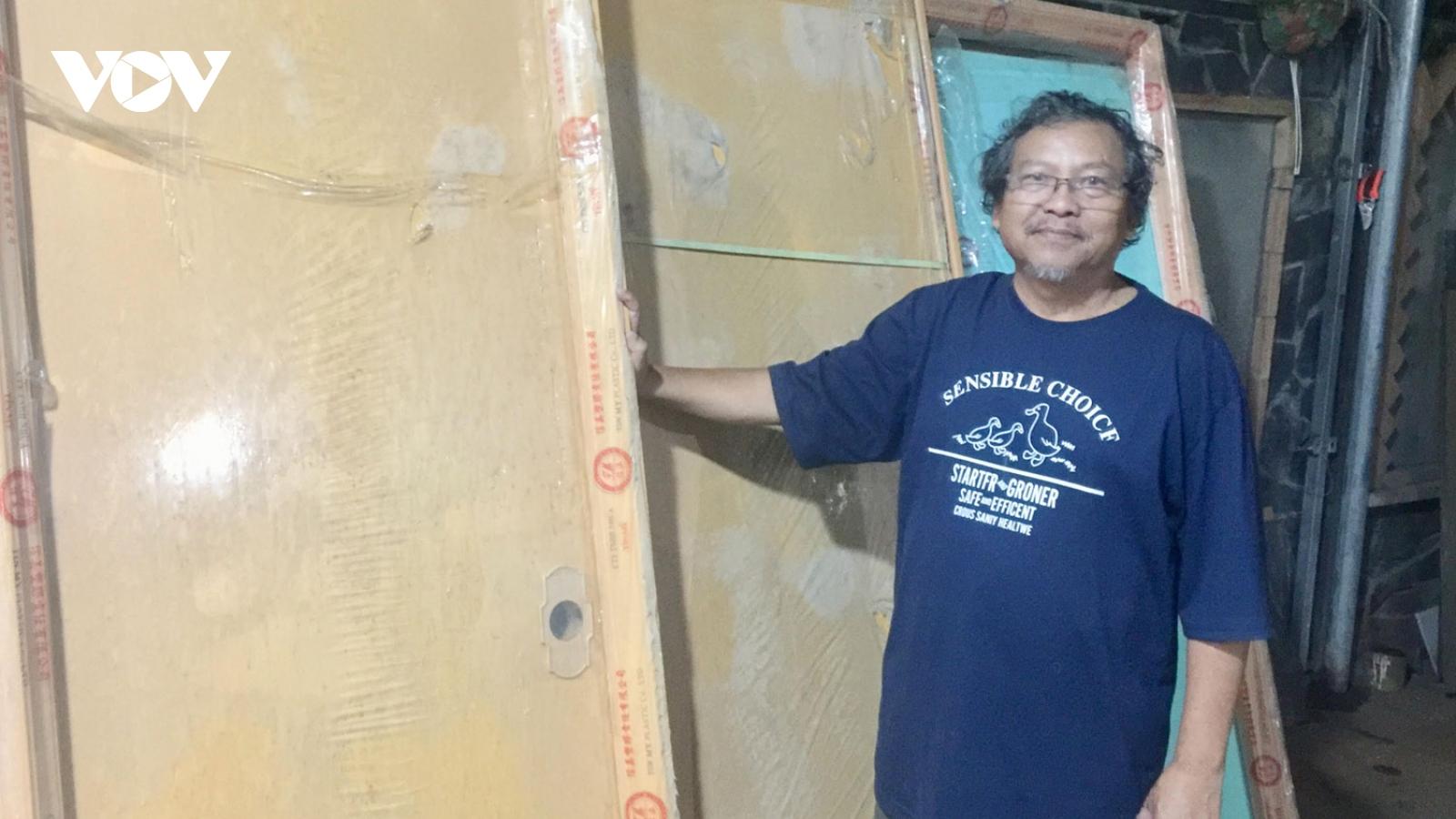 Nhiếp ảnh gia xây 32 nhà tình nghĩa tặng người nghèo