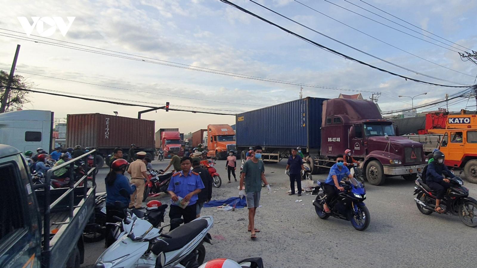 Truy tìm xe container trốn khỏi hiện trường sau khi gây tai nạn chết người
