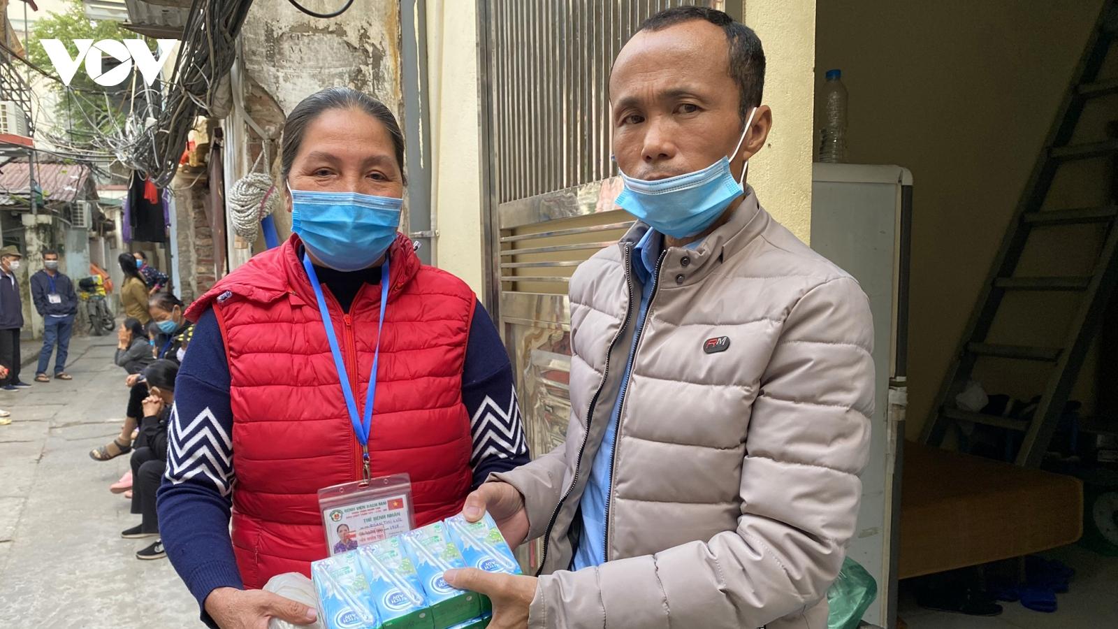 Báo điện tử VOV và các nhà tài trợ tiếp tục thực hiện các chương trình từ thiện
