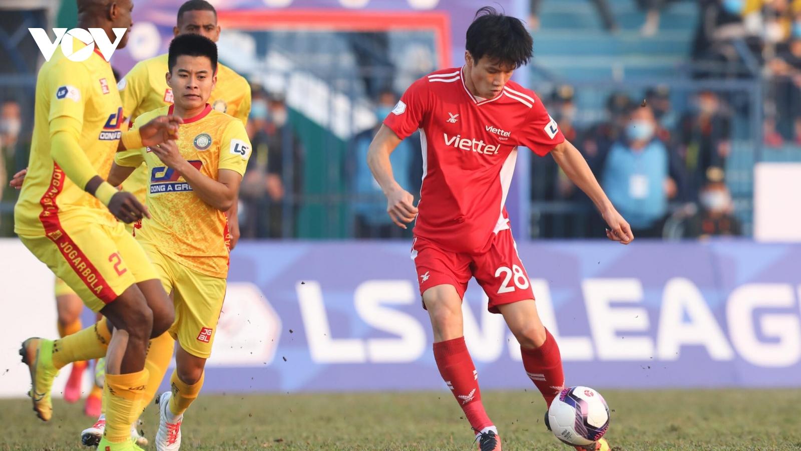 Cựu sao HAGL phung phí cơ hội, Thanh Hóa chia điểm với Viettel