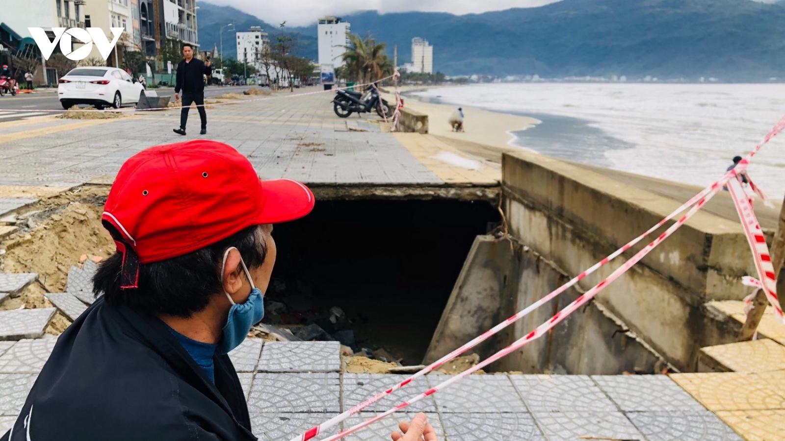 Cần có giải pháp chống sạt lở bờ biển tại Đà Nẵng