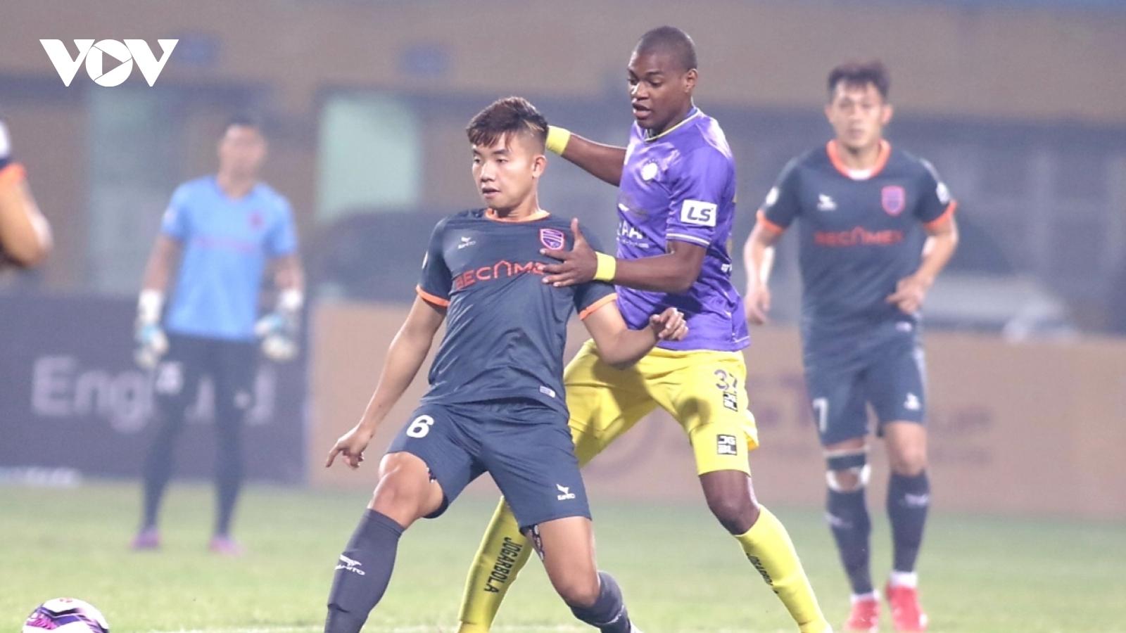 TRỰC TIẾP Hà Nội FC 0-0 Bình Dương: Thế trận giằng co
