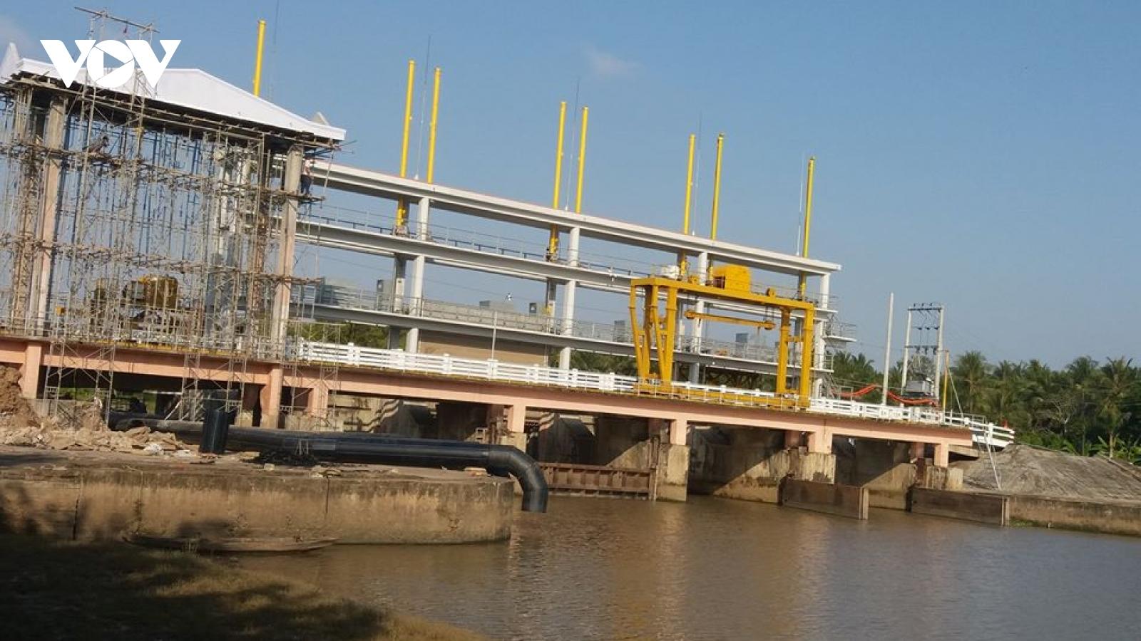 Nước mặn tấn công, tỉnh Tiền Giang chủ động ứng phó