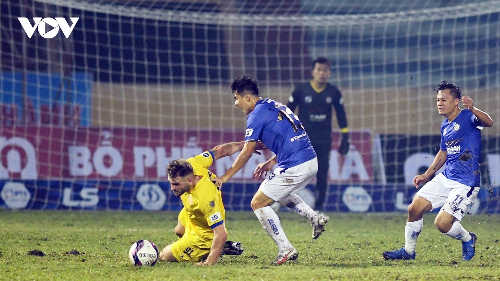 HLV Văn Sỹ yêu cầu xử lý nghiêm những hành vi bạo lực ở V-League 2021