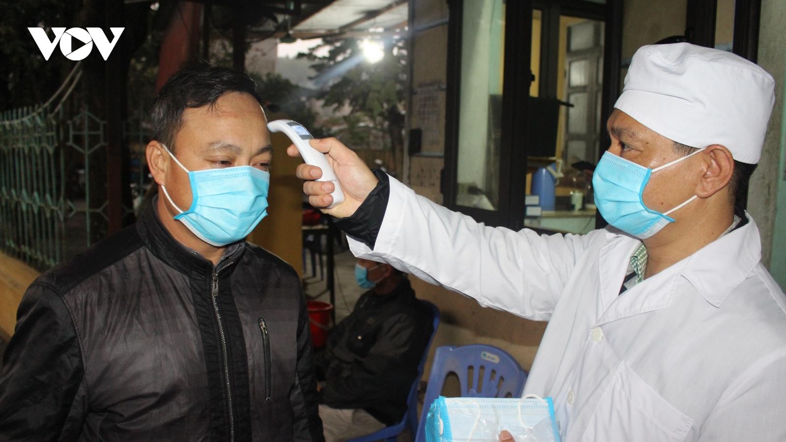 Tập đoàn Than khoáng sản Việt Nam tặng Quảng Ninh 4 máy xét nghiệm virus SARS-CoV-2
